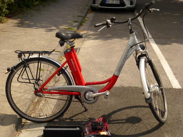 7 speed brake 28 inches deep resignation VICTORIA entry with 2 BATTERIES u charger