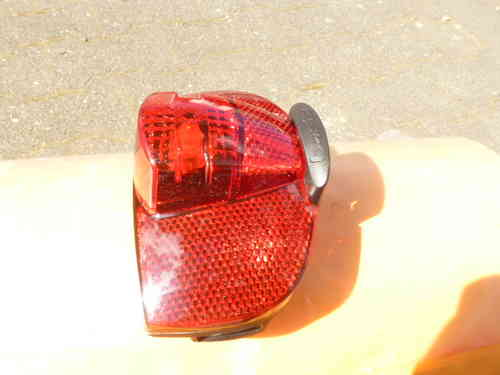 LUGGAGE TAILLIGHT - SCREW PITCH 80 mm